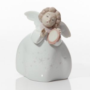 Little Angel with Tambourine 6530 – Lladro Figure